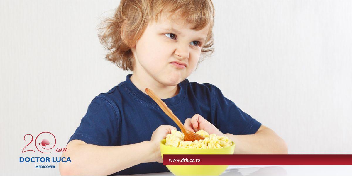 De ce nu mănâncă cel mic? Care pot fi cauzele?